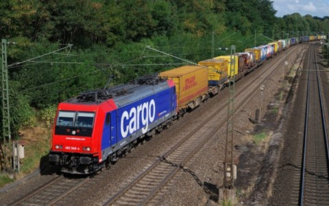 482 049 (SBB Cargo) with KLV train in front of Sprötze (12.09.2009). Mirko Kiefer