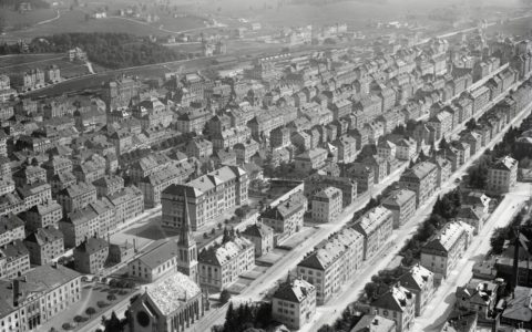 La Chaux-de-Fonds, 1925 (© ETH Zurich Library, Image Archive / Swiss Aerospace Foundation).