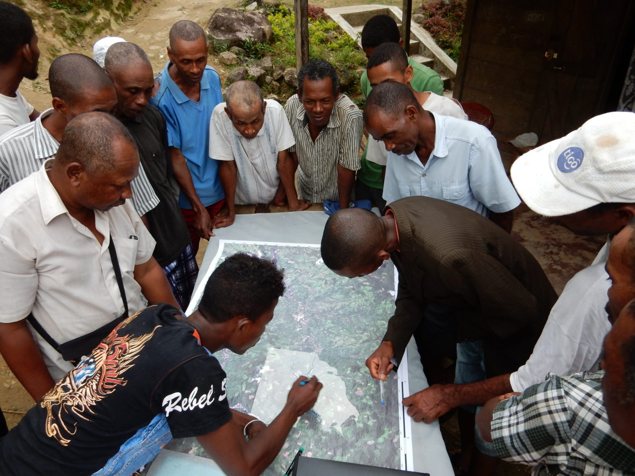 Participatory Mapping in einer der Fallstudien-Sites (Madagaskar). Julie Zähringer, 2016