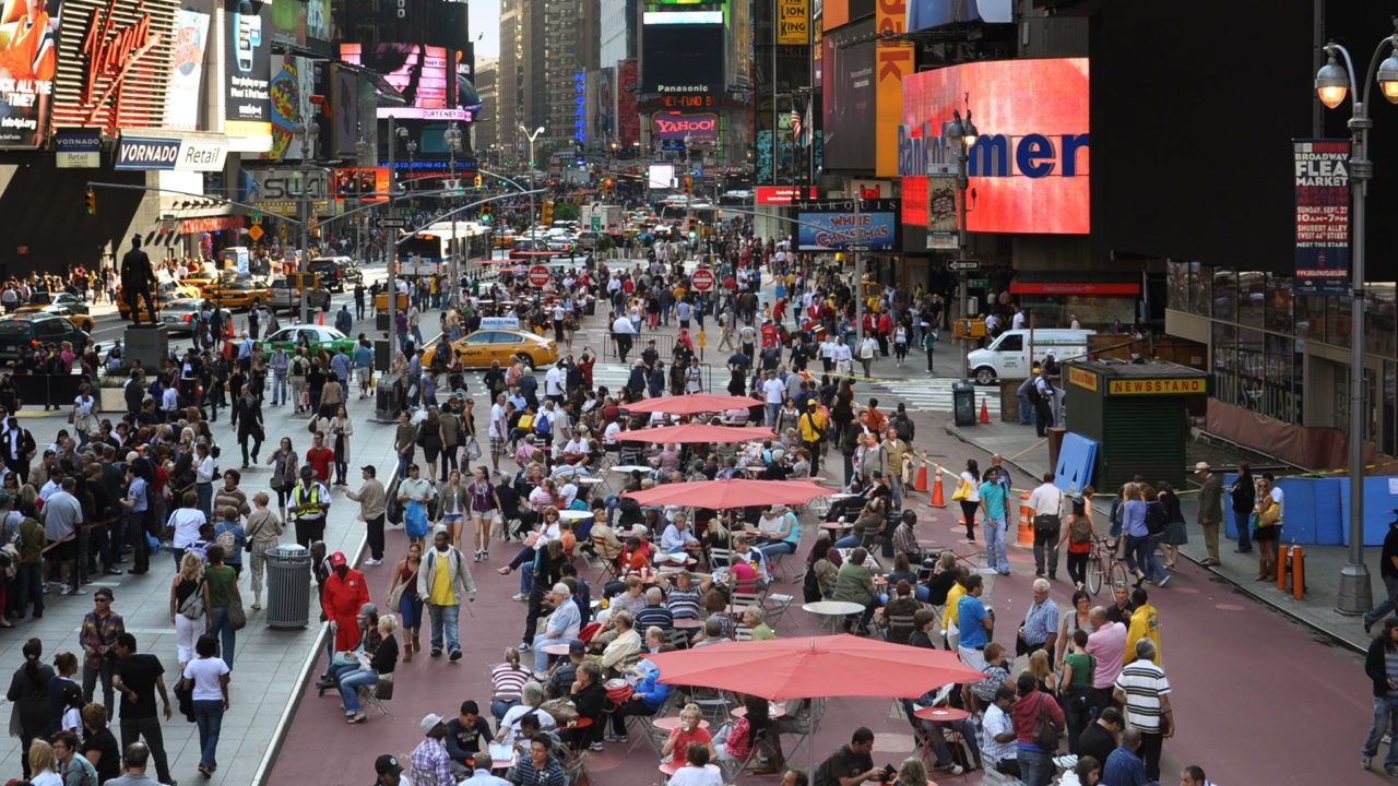 Drei wichtige Plätze konnte Jan Gehl in New York umgestalten, den Columbus Circle, den Herald Square und den Times Square, der hier zu sehen ist. (Bild: Jan Gehl Architects)