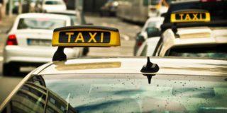 Auch für den städtischen öffentlichen Verkehr hat die Einführung selbstfahrender Taxis weitreichende Folgen. (Bild: pxhere.com / CC0 1.0)
