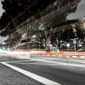 Rue déserte à Singapour (CC0 1.0 par VizAforMemories via Unsplash)