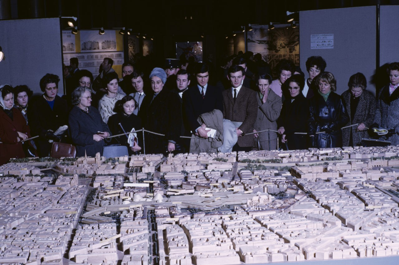 The urban scale model of the project of Les Halles is presented to the public, Paris, 1968. (Photo by Georges Melet/Paris Match via Getty Images)