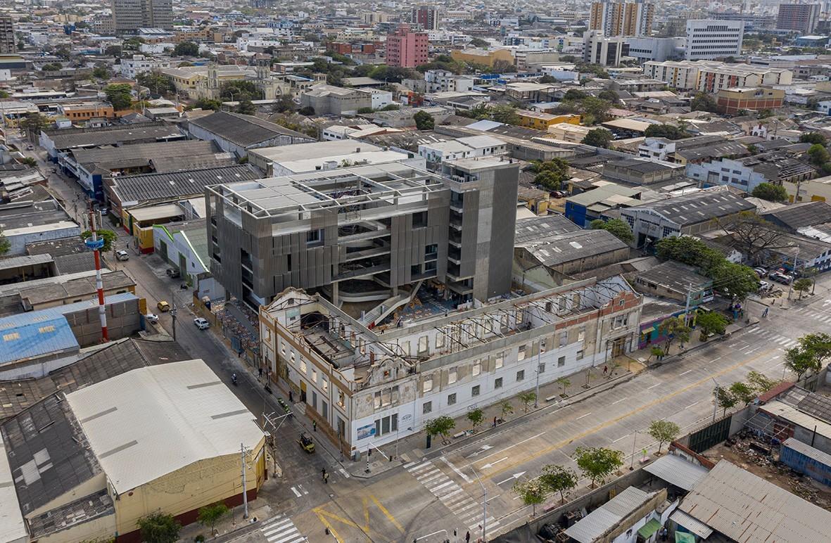 Context in the industrial area of Barrio Abajo © Alejandro Arango and Luis Bernardo Cano